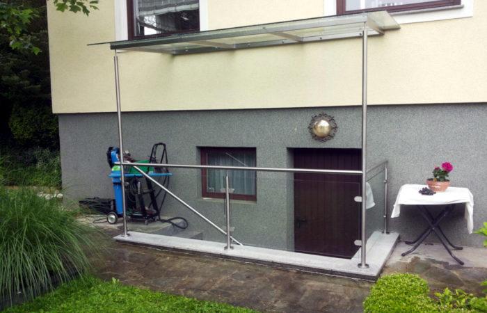 Niro Edelstahl Treppenüberdachung mit Geländer