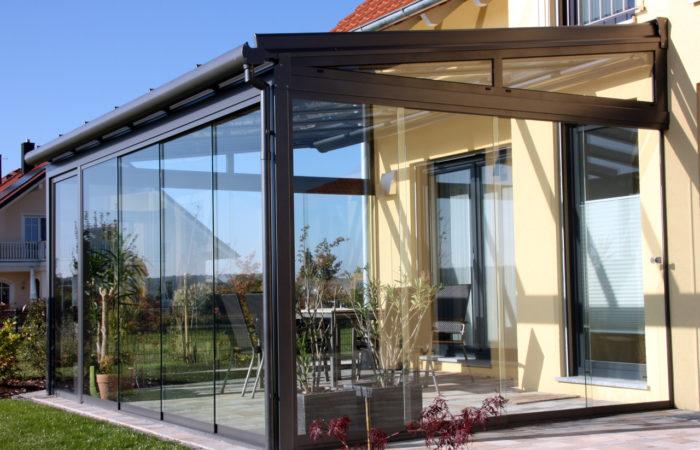 Alu Terrassendach mit Ganzglas Schiebetür
